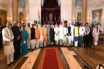 The President, Shri Pranab Mukherjee, the Vice President, Shri M. Hamid Ansari and the Prime Minister, Shri Narendra Modi with the newly inducted Ministers