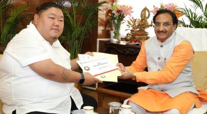The Education Minister of Nagaland, Shri Temjen Imna Along calling on the Union Minister for Human Resource Development, Dr. Ramesh Pokhriyal 'Nishank', in New Delhi on September 04, 2019.